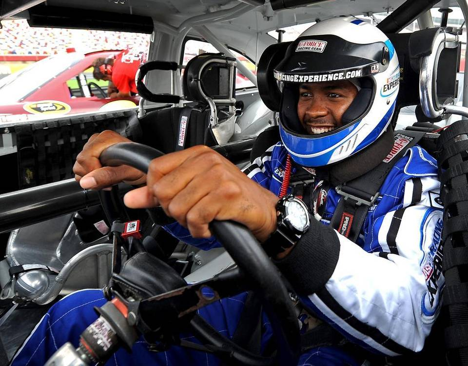 Nascar racing experience the rookie driving experience sale for Las vegas motor speedway driving experience