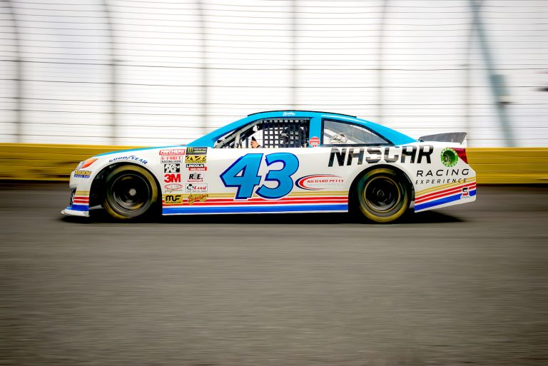 Nascar Racing Experience The True Nascar Driving Experience