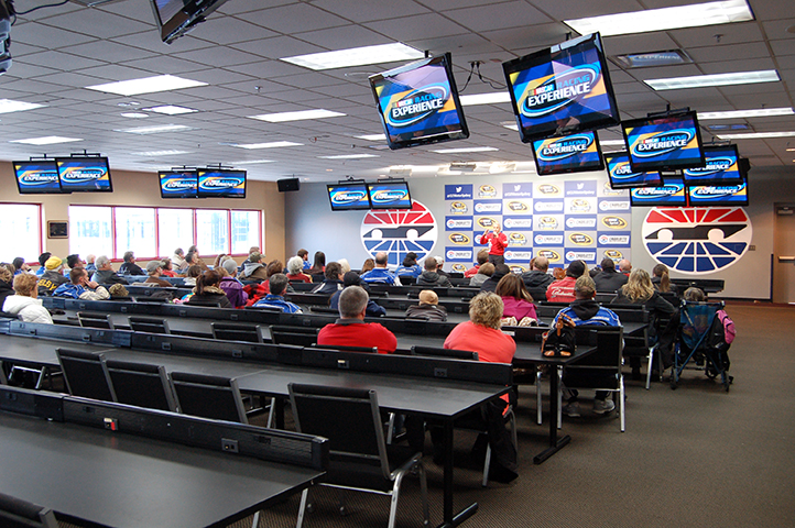 Corp1 nascar racing experience for Atlanta motor speedway hotels